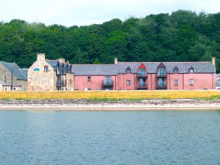 2 bedroom apartment with breathtaking views right on the beach near Inverness