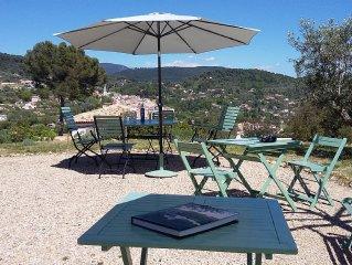 Grande demeure de charme en Provence. Belvedere sur colline d'oliviers