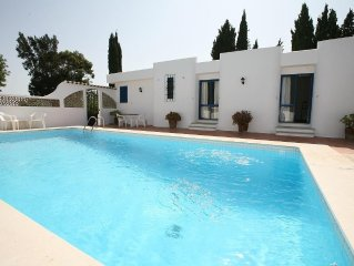 Villa with amazing views, private pool, wifi, near Silves, 10 mins to beach