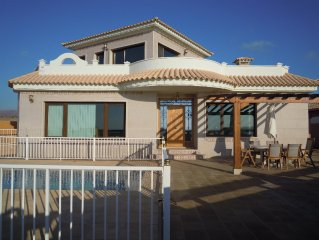 Beautiful Villa, Panoramic Sea Views, Private swimming pool, Roof Terrace, BBQ
