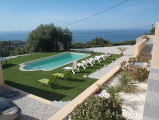 Superbe villa neuve dotée d'une vue mer piscine+spa de luxe jusqu'à 21 personnes