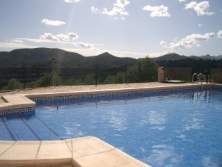 Lovely villa with stunning mountain and distant s