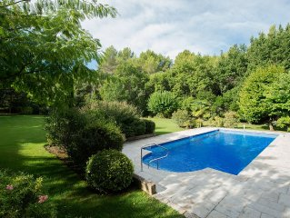 Spacious villa in superb gardens in one of France's prettiest villages