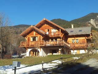 Charming Chalet Comfortable And Homely, Great Views, Skiing Close By