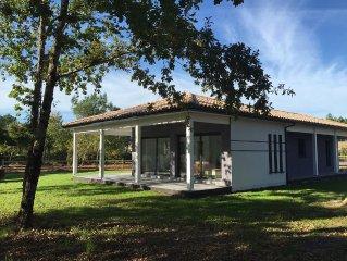 Au bord du lac d'Hourtin, Villa neuve avec jardin pour 8 personnes