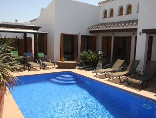 Luxury Villa with South Facing Private pool, all Day Sun
