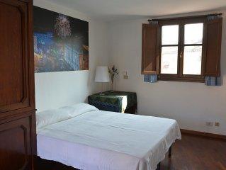 In pieno centro storico a Torino luminoso appartamento in casa quattrocentesca