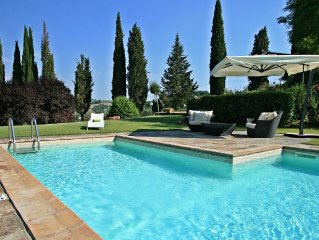 Lovely pool cottage situated in San Gimignano countryside
