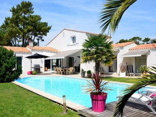Ile d'Oleron St Trojan les Bains, villa 11 pers. avec piscine entre mer et foret