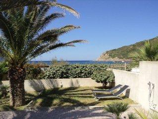 Petite villa mitoyenne F3+ loggia 75m2 directement au bord de la plage du Golfe