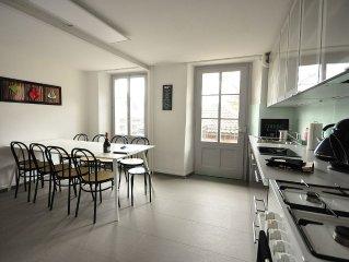 Newly Renovated 4 bedroom apartment.  3 mins to Interlaken.  Sleeps 12. Balcony