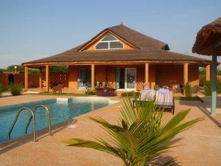Nianing: LOCATION SENEGAL Magnifique villa avec piscine - (WIFI fulltime)