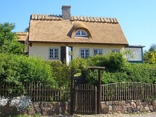 Idyllic Thatched Cottage With Garden Overlooking The Sea,  North Of Copenhagen