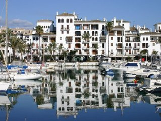 3 Bedroom Front line beach apartment situated in the Marina de la Duquesa apts