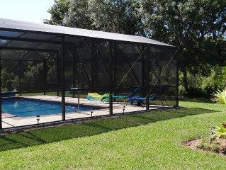 Prachtig nieuw vakantiehuis met privezwembad in de tuin geschikt voor 6 personen