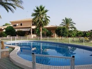 Private Luxury Villa Rentals With Private Pool in Valencia Spain, Sleeps 16