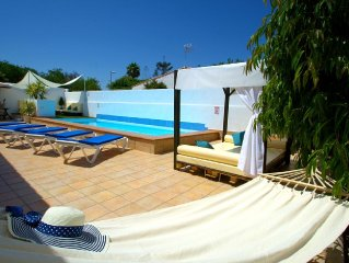 VILLA BONITA with Private Solar Heated Pool