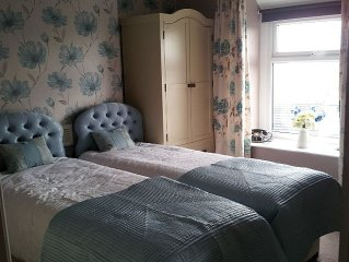 Cosy 2 bedroom cottage that sleeps up to 4 people located on the Great Orme