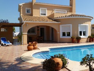 Luxury Air-conditioned Villa -Sleeps 6-WiFi (nr Javea-Alicante Airport 50min)