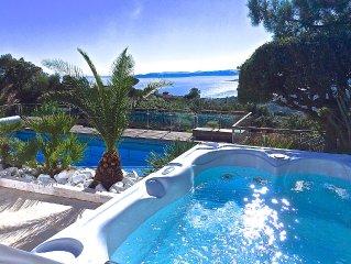 Villa 5 *. Sea view. Heated pool. Jacuzzi. Sauna.