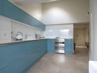 Luxury 2 bed home in Deal's conservation area yards from the beach