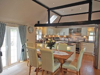A Stunning 5 Star Cottage Near Brighton With Private Pool