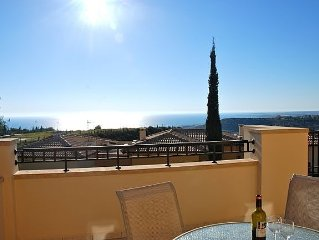 Spacious Apartment With Magnificent View On The Sea