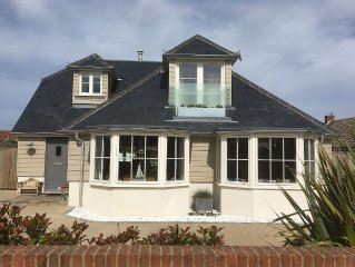 Stunning Coastal home only 2min walk to Beach at Wittering, 10min walk to shops