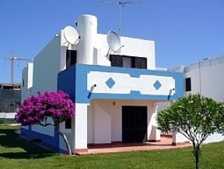 2 Bedroom, 2 Bathroom Apartment With Sea View In Attractive Holiday Resort