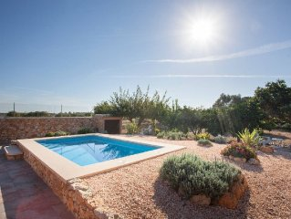 CASA CON PISCINA PRIVADA, WIFI, A.A., PARKING Y BARBACOA EN JARDIN 500 M2