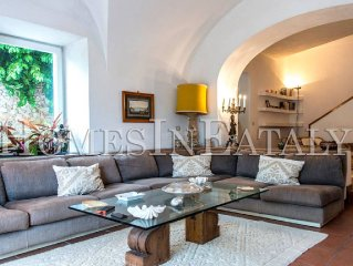 CAPRI - VILLA NEAR THE SQUARE OF CAPRI - MAX 10 PAX