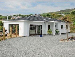 Contemporary, luxury house, panoramic sea views, on Wild Atlantic Way. Free WIFI