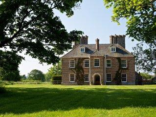 Luxury Dorset Farmhouse - Large Grounds & Beautiful Countryside Location