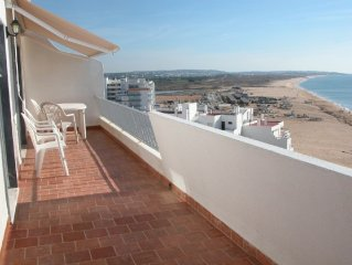 Beachfront Penthouse with Fabulous Sea View and L
