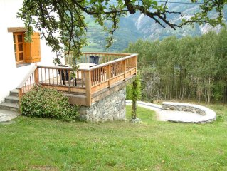 Lovely Chalet With Spectacular Mountain Views. Ski In Ski out. Self-catering
