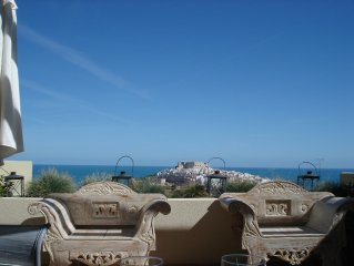 Spectacular views of the Peniscola Castle and the