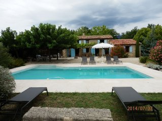 Stone villa with pool and view in private setting near Lourmarin in the Luberon