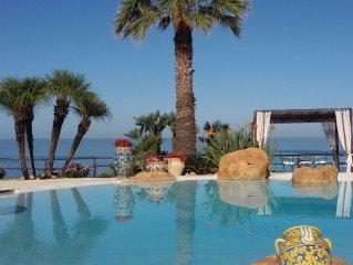 Casa con piscina, spettacolare vista sul mare a Sciacca.
