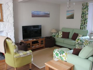 New Quay, Wales. 4 Bedrooms, near to beach with parking.