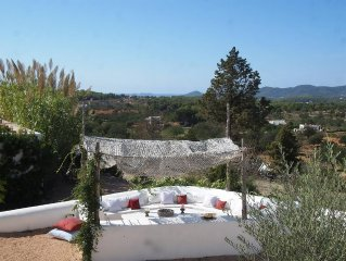 "San Rafel. Beautiful finca with sunset view. 10""to Ibiza town"