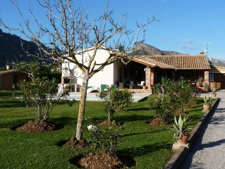 Beautiful Villa Set In A Large Garden With Uninterrupted Views Of The Mountains