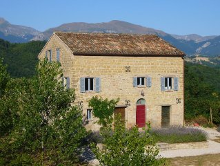 Beautiful Stone Farmhouse In Rural Location With Private Pool & mountain views