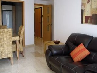 SPECIAL OFFER, Family Apartment With Pool Views And Enclosed Garden.