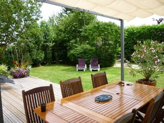 Maison avec jardin, a 200 m de la tres belle plage de Lodonnec. Ideal pour des v