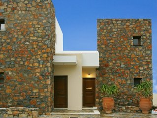 Mochlos Traditional Cretan Villa with Sea Views and Free WiFi