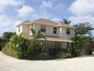 Luxury 6 Bed Villa With Pool, Mullins Bay