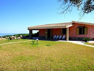 Villa Scivu nella Costa Verde (Parco WWF)