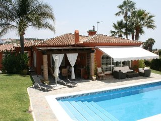 Spacious villa with private pool, sleeps 8 with lovely sea views near Sotogrande