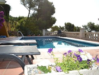 4 Bed Detached Villa, Sleeps 8  With Private Pool And Fantastic Sea Views