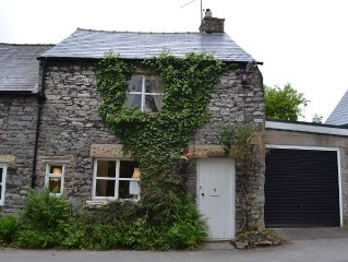 Peak District family cottage nr Monsal Trail & 100m from excellent foody pub